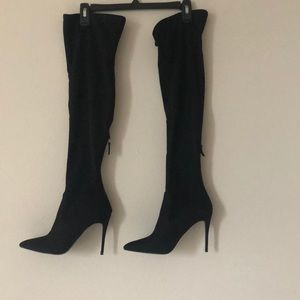 NWT Steve Madden suede thigh high boots.